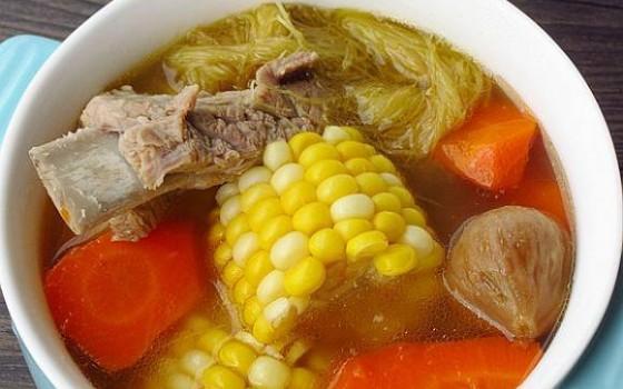 无花果排骨玉米汤