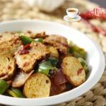 青椒素鸡炒回锅肉