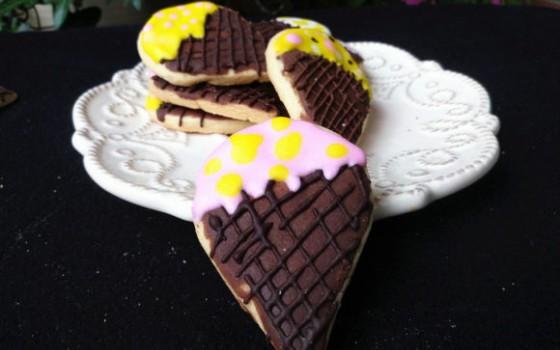 蛋筒糖霜饼干