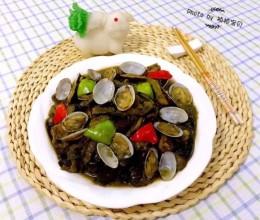 茄条五花肉炖蚬子