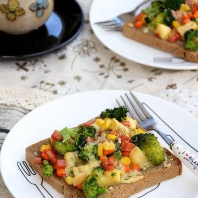果蔬面包披萨