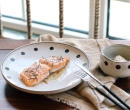 迷迭香烤三文鱼