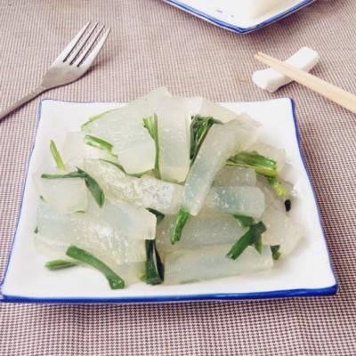 韭菜炒焖子