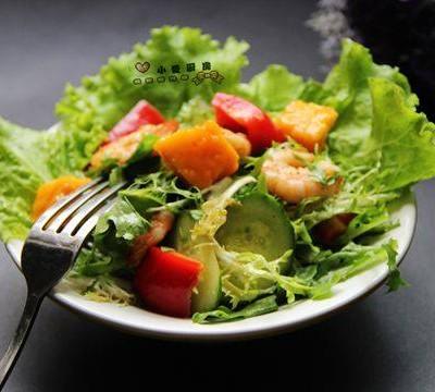 鲜虾芒果沙拉