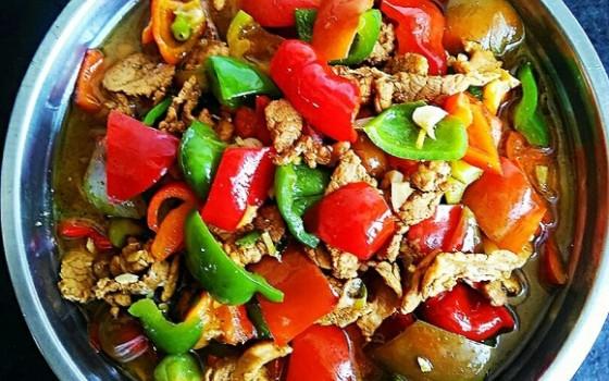 柿子椒炒肉片