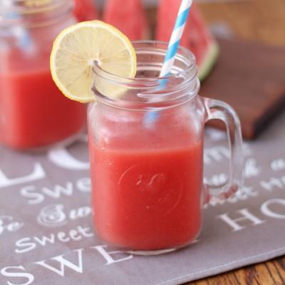 鲜榨冰镇西瓜汁
