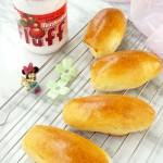 草莓法罗夫面包卷