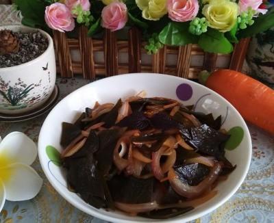 胡萝卜洋葱炒海带