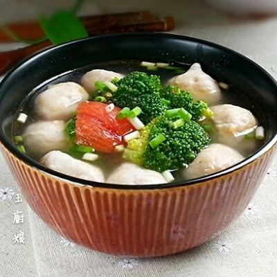西兰花番茄肉丸汤