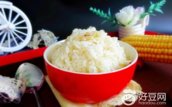 枣香玉米汁焖饭