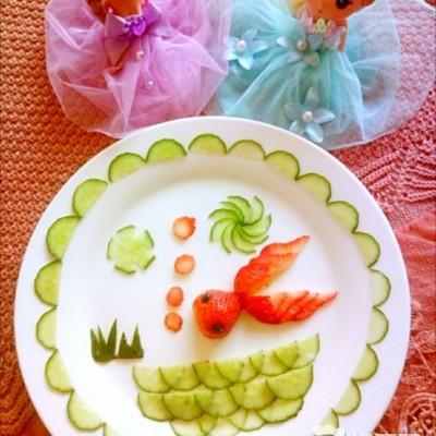 水果拼盤-草莓金魚