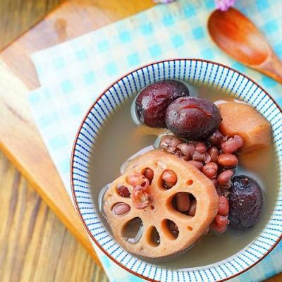 红枣红豆莲藕汤