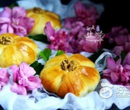 核桃花朵面包