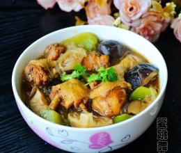 香菇莴笋砂锅鸡