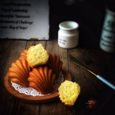 奶酪杏仁玛德琳