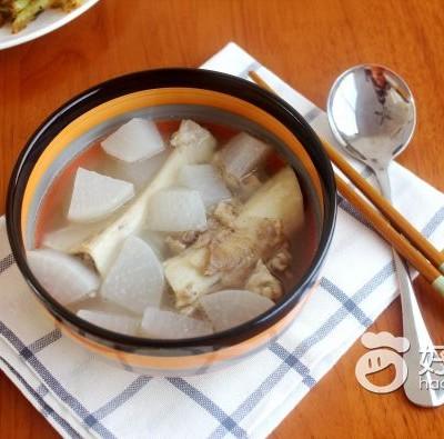 白蘿卜骨頭湯