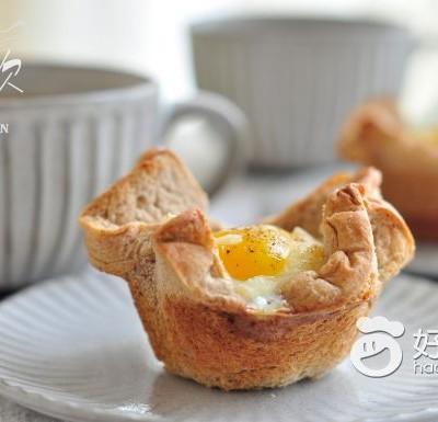 燕麦鸡蛋吐司杯盏