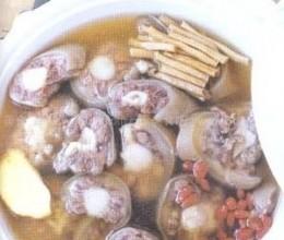 药汁牛尾汤