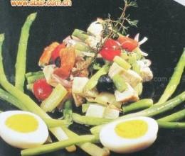 菜谱:鸡肉芦笋色拉的做法