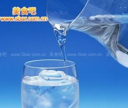 夏天适合喝哪些水