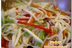 青红椒炒茭白