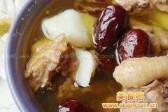 红枣山药炖母鸡汤