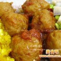 爱心盒饭140:番茄鱼丸+咸蛋南瓜泥+青豆炒藕丁