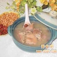 秋吃豬蹄和山藥能滋陰潤燥
