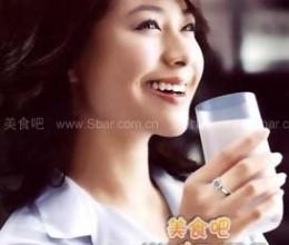 成人每天喝250到500毫升牛奶