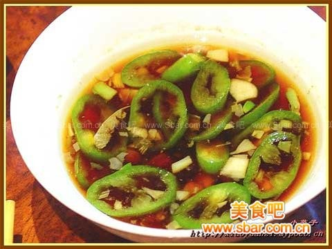自制东南亚风味:肉骨茶浸鸡