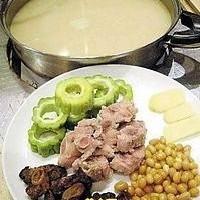夏日家庭自制風味火鍋