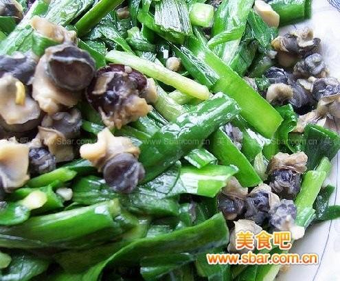 韭菜炒螺丝肉的做法
