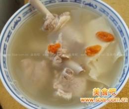 滋补笋干老鸭汤的做法