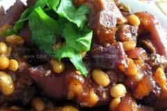 黄豆焖猪手的做法