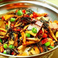 干锅梅菜茶树菇的做法