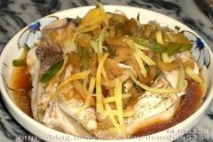 榨菜蒸大鱼的做法