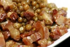 腊肉焖豌豆