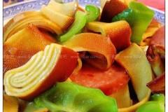 青椒炒熏干豆腐的做法