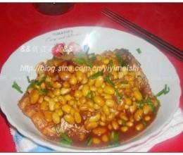 海鲜酱焖黄豆鱼腩的做法
