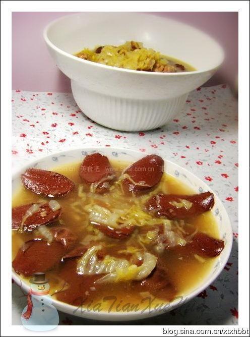 里脊血肠烫做法(东北杀猪菜)排骨鸡肉酸菜图片