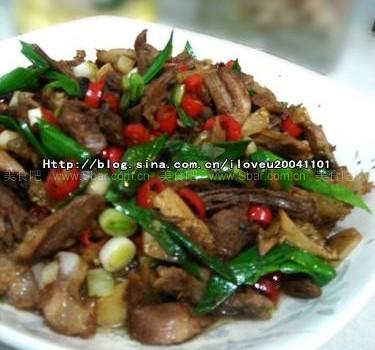 小米椒炒拆骨肉(宴客好菜)