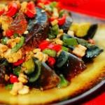 辣椒肉末烩皮蛋的做法