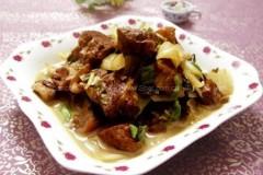咸菜炖肉的做法
