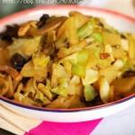肉丝炒三样(圆白菜、土豆、木耳)
