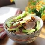 芹菜炒腊肉(湖南腊肉)
