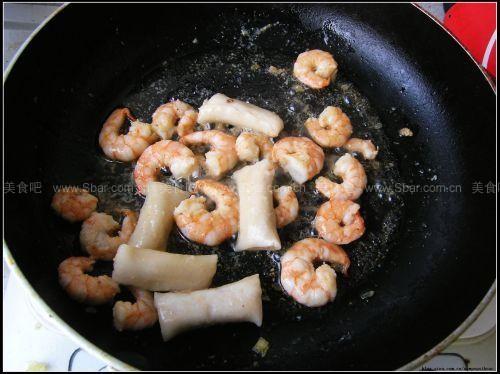 东南亚海鲜炒饭