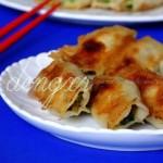 韭菜猪肉锅贴(韭菜入馅鲜嫩的3个小窍门)
