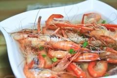 白灼河虾的做法