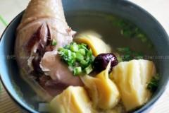 冬笋母鸡汤的做法