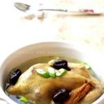 参鸡汤(韩国传统料理的经典代表)